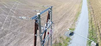 Dronebilde av 22 kV-mast