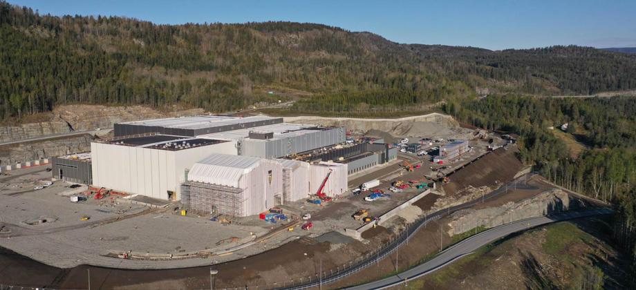 Flyfoto av lagerbygg under bygging