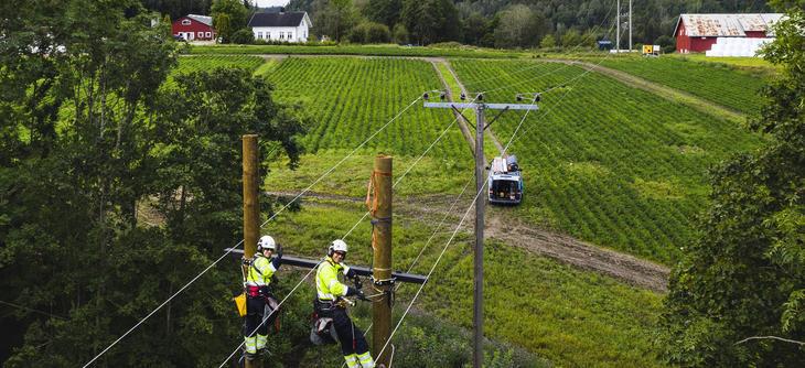 Energimontørene i Skagerak Nett drifter og vedlikeholder strømnettet. Foto: Dag Jenssen